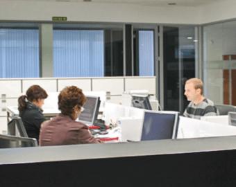 Systemy magazynowania blach i dłużyc_biuro