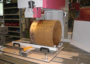Wyświetlacz laserowy ułatwiający pozycjonowanie materiału