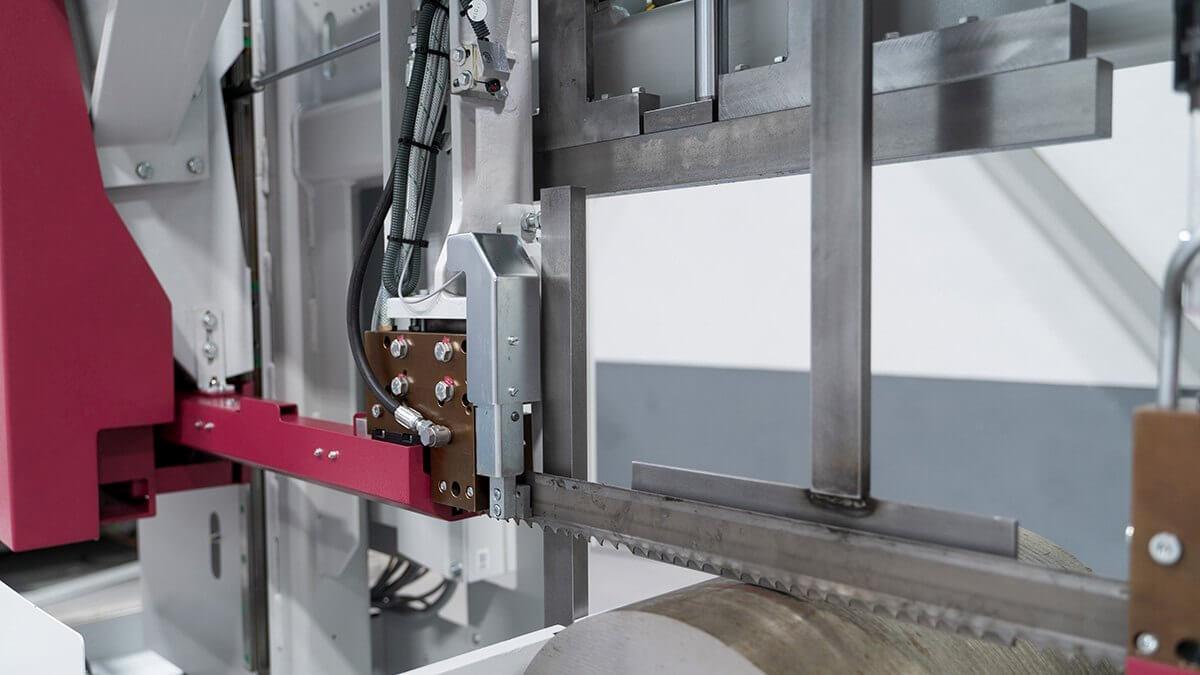 żeliwny system prowadzenia taśmy sczotka czyszcząca automatyczna przecinarka taśmowa hbe560