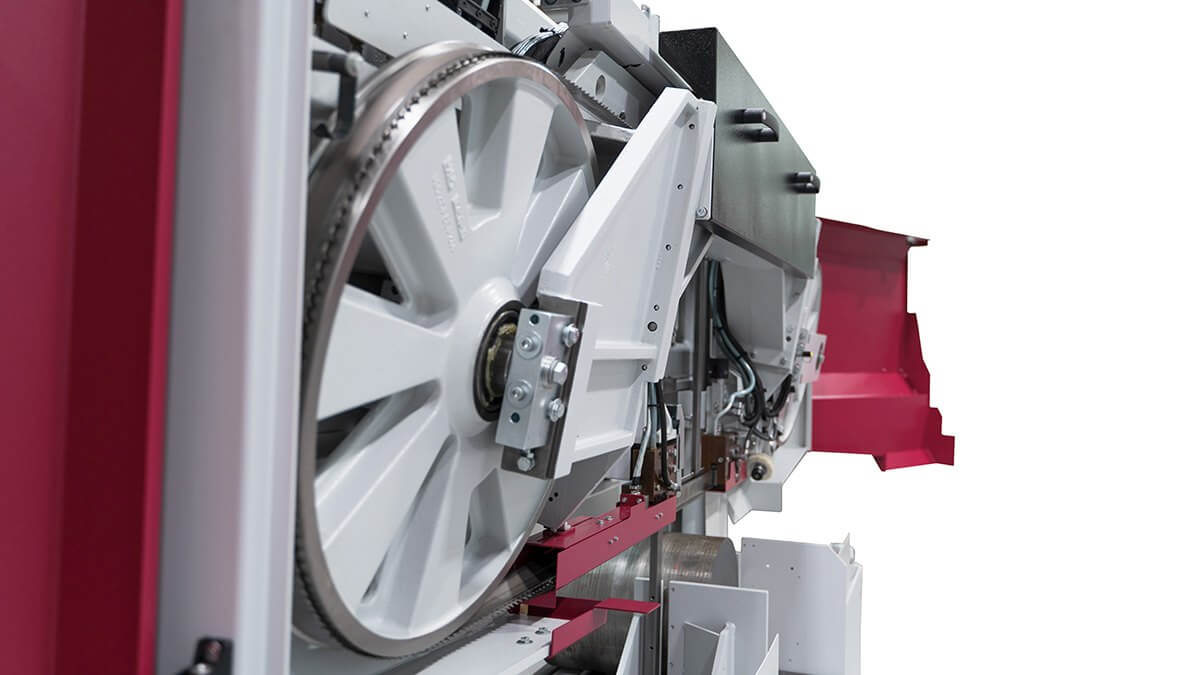 żeliwna rama robocza automatyczna przecinarka taśmowa hbe560